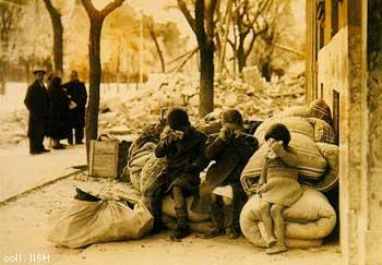 Homeless children in the spanish civil  war, Madrid, 1936 (1)